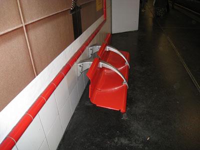 Un banc monté à l'envers