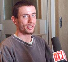 Tophe au micro à RFI