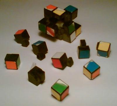 Rubik's cube cassé